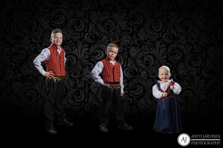 Lapsenlapsien_taulu_Järvinen